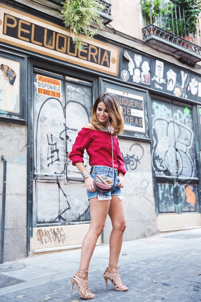 RED-Denim-Levis-Outfit-Street_Style-Dove-5