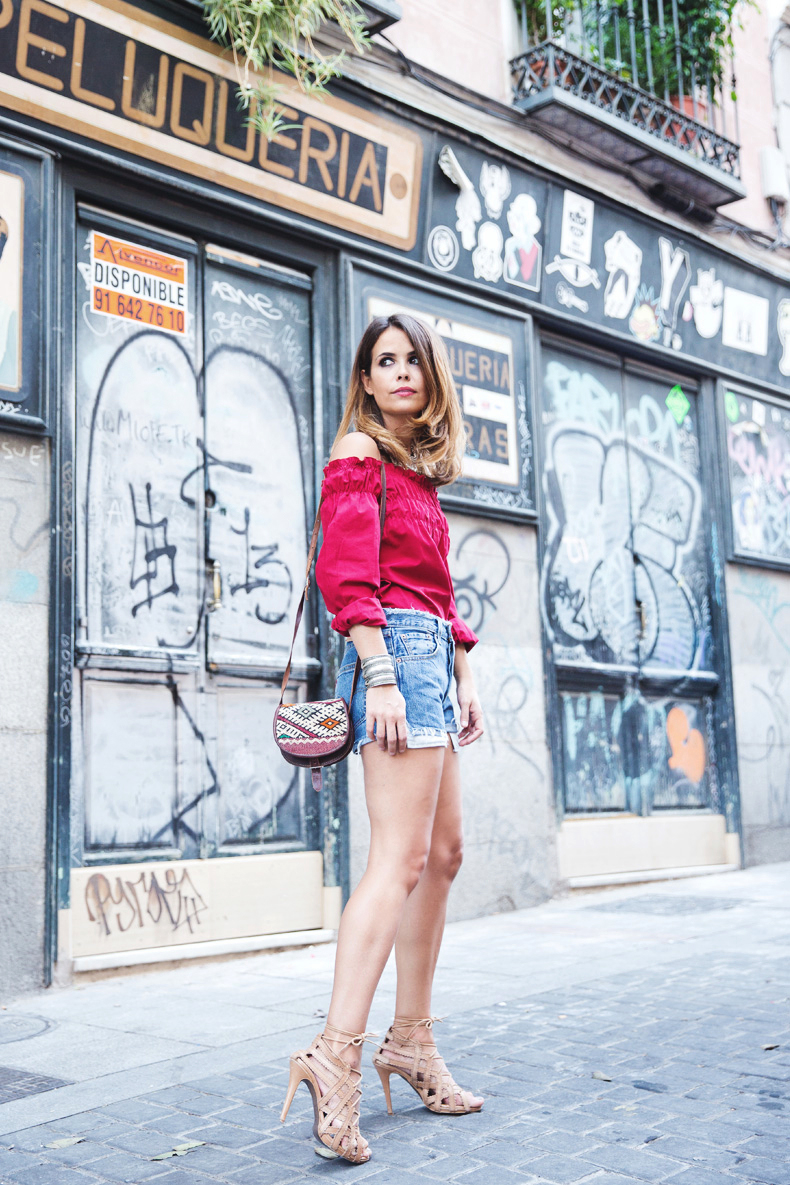 RED-Denim-Levis-Outfit-Street_Style-Dove-21
