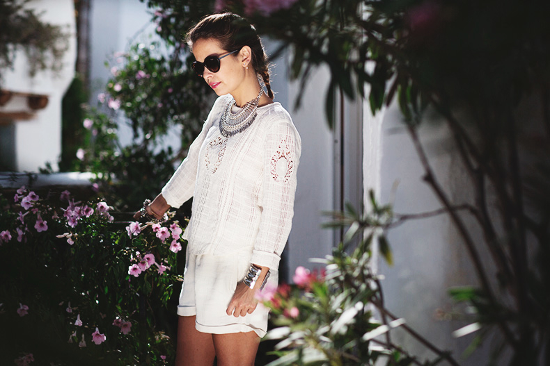 Vogue_Eyewear-Ibiza_summer-White_Outfit-2