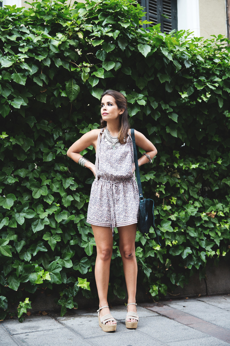 Floral_Jumpsuit-Girissima-Outfit-Street_Style-13