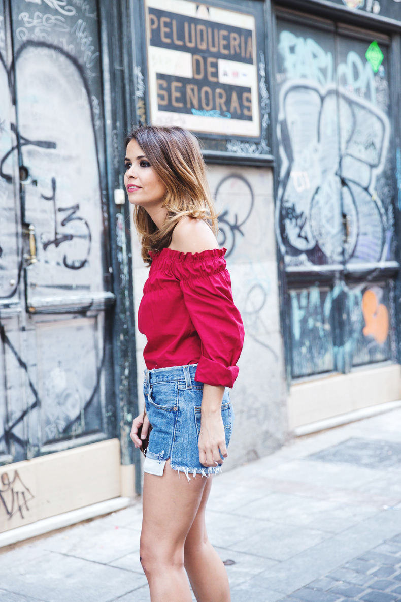 RED-Denim-Levis-Outfit-Street_Style-Dove-14
