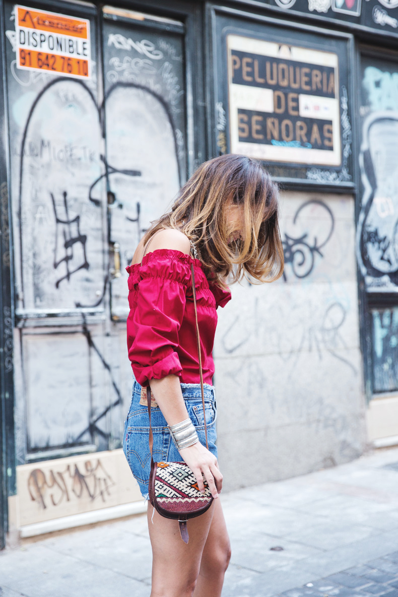 RED-Denim-Levis-Outfit-Street_Style-Dove-8