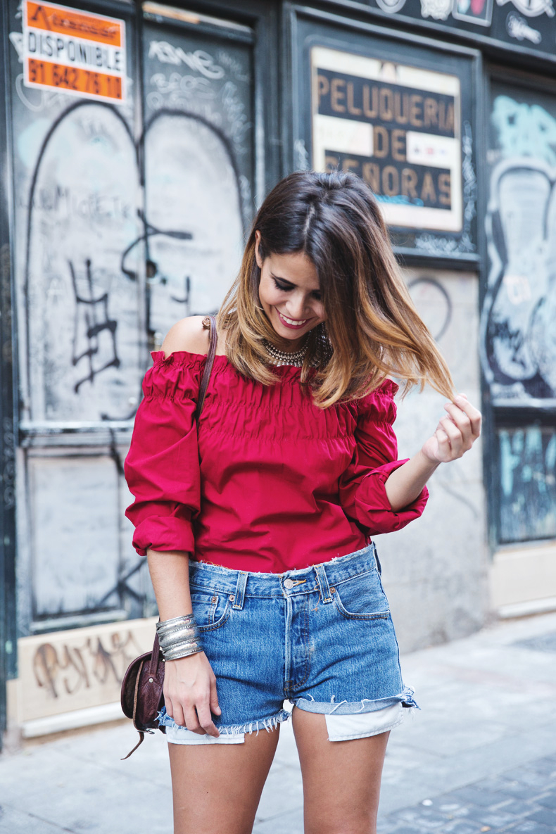RED-Denim-Levis-Outfit-Street_Style-Dove-10