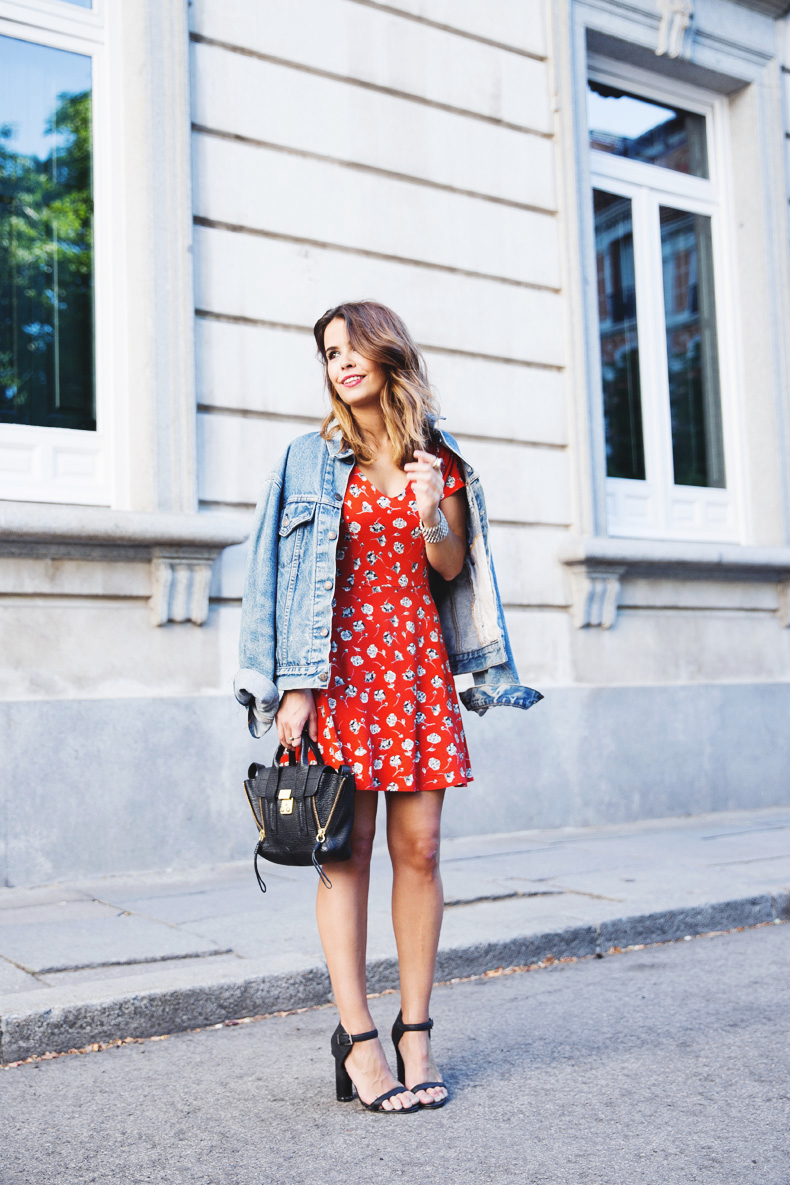 Floral_Dress-Topshop-Denim_Jacket-Street_Style-Outfit-7