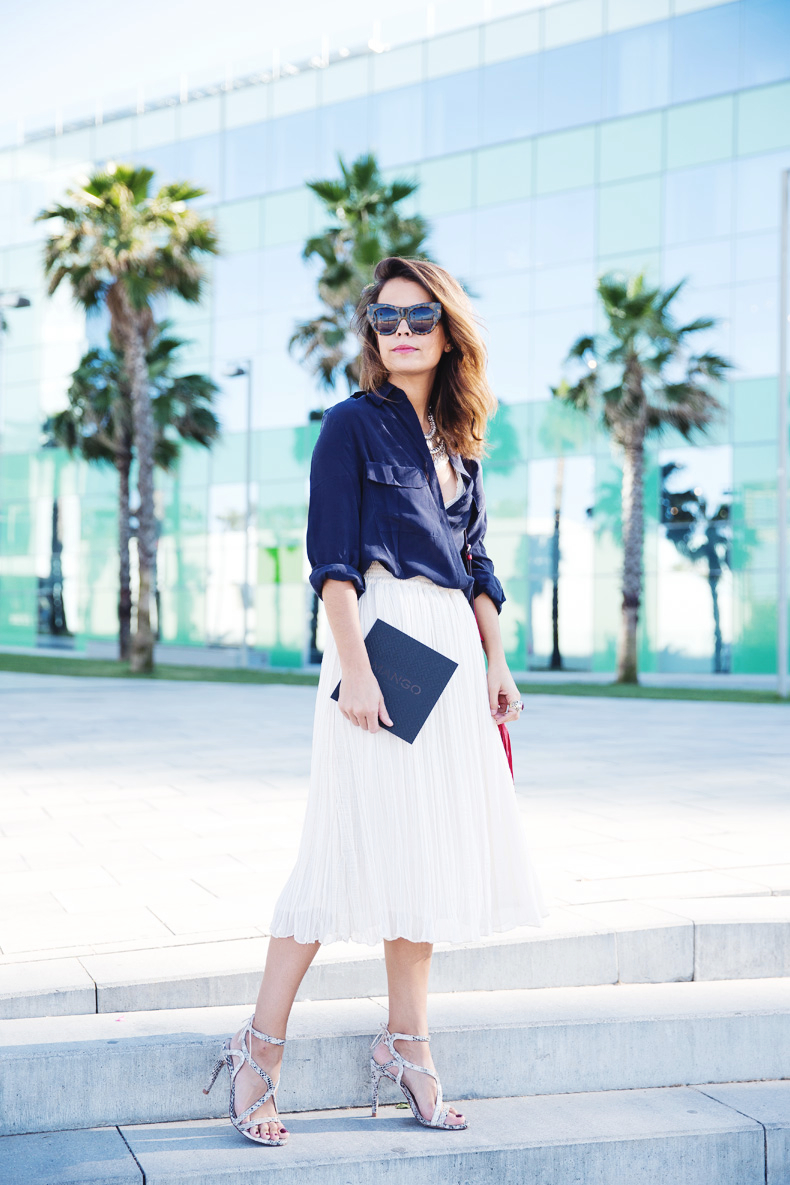 Mango_080_Barcelona-Midi_Skirt-Blue-Gucci-Snake_Sandals-Outfit-Street_Style-2