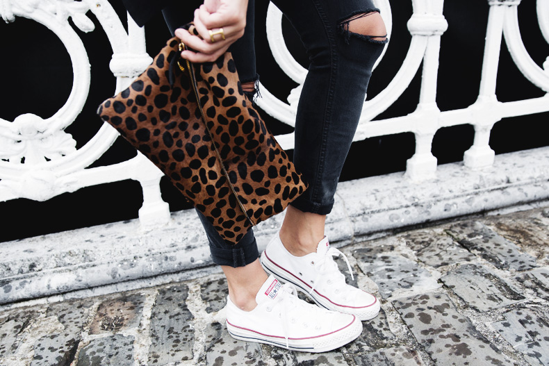 San_Sebastian-Lovers_And_Friends-Leopard_Clutch-Clare_Vivier-7