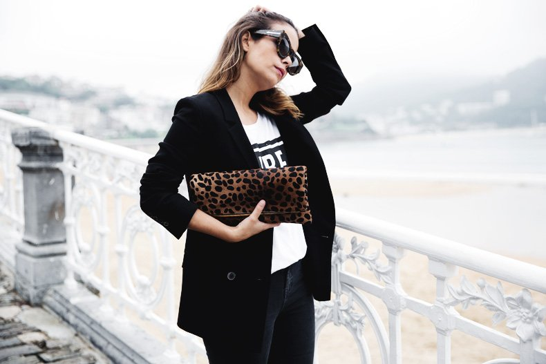 San_Sebastian-Lovers_And_Friends-Leopard_Clutch-Clare_Vivier-5