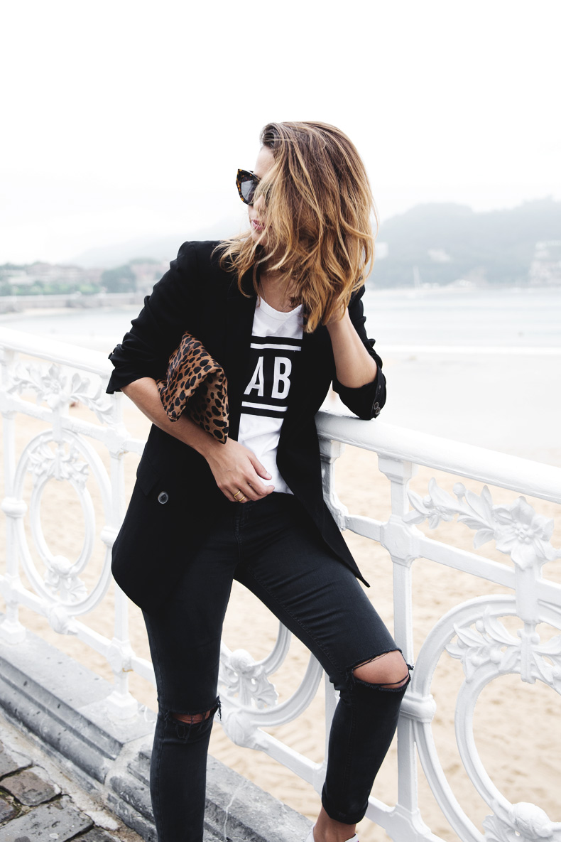 San_Sebastian-Lovers_And_Friends-Leopard_Clutch-Clare_Vivier-27