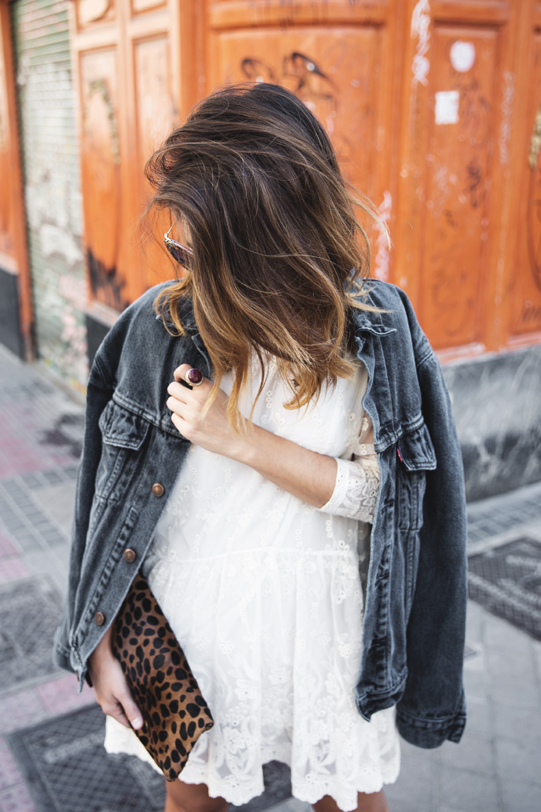 Vintage-Denim_Jacket-Lace_Dress-Olive_Clothing-Clare_Vivier-Leopard-Outfit-Street_Style-25