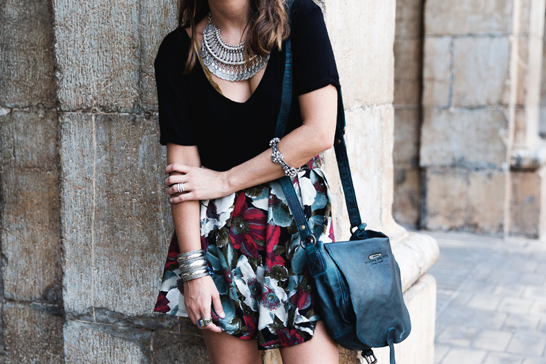 FIB-Floral_Skirt-Urban_Outfitters-Ugly_Shoes-3112