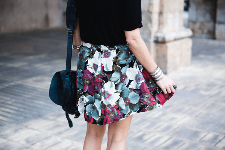 FIB-Floral_Skirt-Urban_Outfitters-Ugly_Shoes-2612