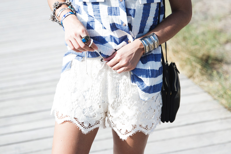 Lace_Shorts-Striped_Top-Silver_Wedges-Chain_Necklace-Outfit-Street_Style-23