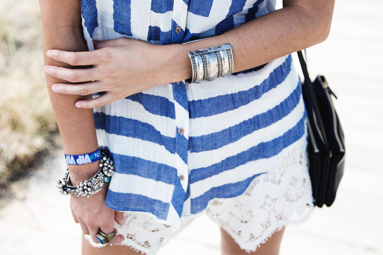 Lace_Shorts-Striped_Top-Silver_Wedges-Chain_Necklace-Outfit-Street_Style-15