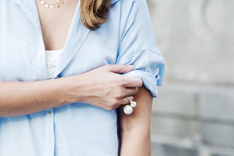 Blue_Shirt-Levis-AStor_Lipstick-Silver_Sandals-Antik_Batik-Street_Style-Outfit-2112