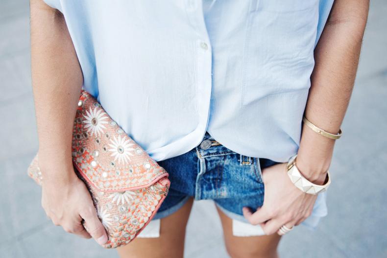 Blue_Shirt-Levis-AStor_Lipstick-Silver_Sandals-Antik_Batik-Street_Style-Outfit-2612
