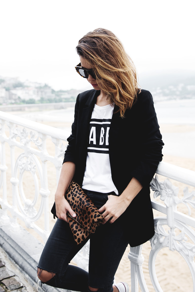 San_Sebastian-Lovers_And_Friends-Leopard_Clutch-Clare_Vivier-29