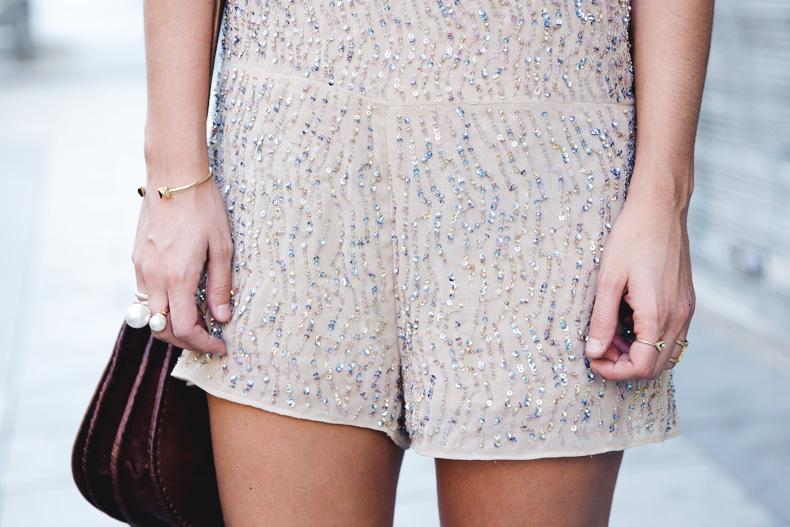 Daytime_Sequins-Gold_Jumpsuit-Zara-Street_Style-Collagevintage-40