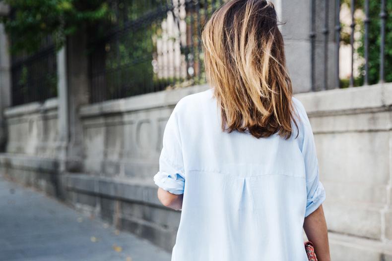 Blue_Shirt-Levis-AStor_Lipstick-Silver_Sandals-Antik_Batik-Street_Style-Outfit-2712