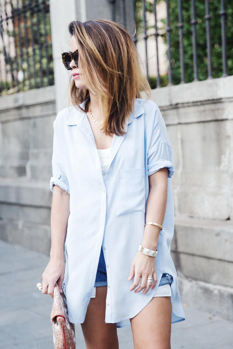 Blue_Shirt-Levis-AStor_Lipstick-Silver_Sandals-Antik_Batik-Street_Style-Outfit-912