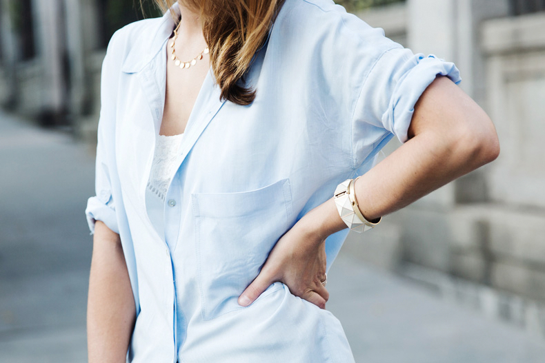 Blue_Shirt-Levis-AStor_Lipstick-Silver_Sandals-Antik_Batik-Street_Style-Outfit-2312