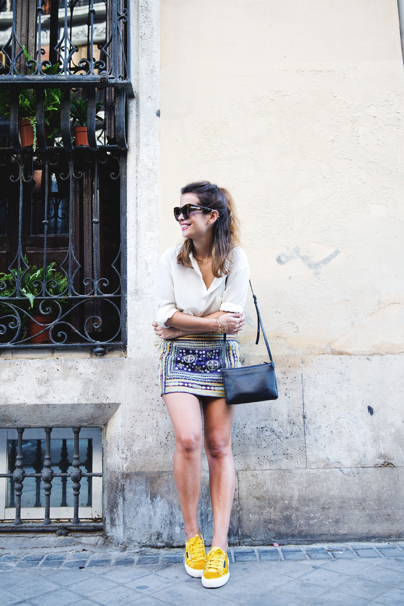 Superga_X_Man_Repeller-Yellow_Sneakers-Beaded_Skirt-Maria_Pascual_jewels-Street_Style-Collagevintage-13