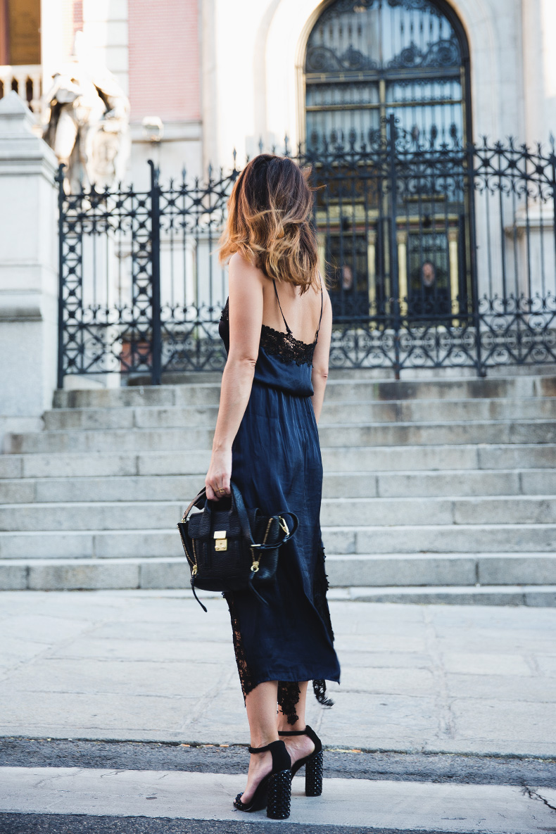Lingerie_Dress-Studded_Sandals-Street_style-Outfit-11