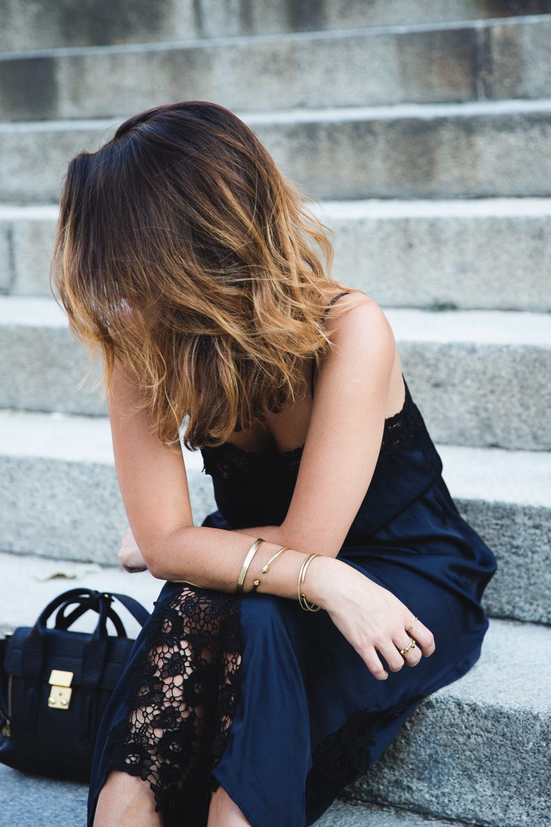 Lingerie_Dress-Studded_Sandals-Street_style-Outfit-17