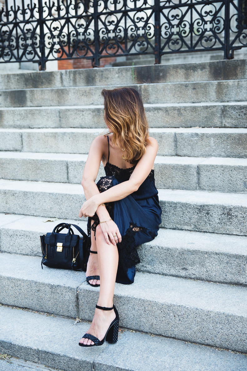 Lingerie_Dress-Studded_Sandals-Street_style-Outfit-16