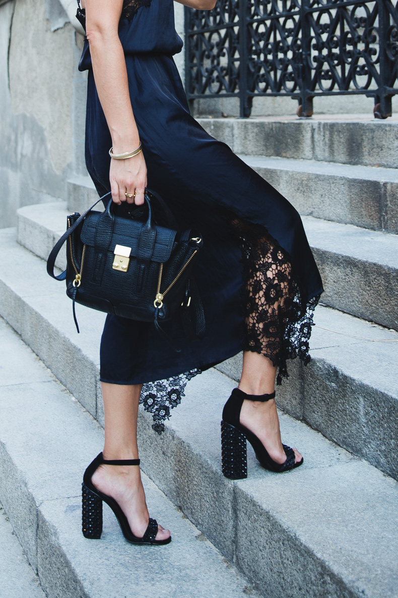 Lingerie_Dress-Studded_Sandals-Street_style-Outfit-18