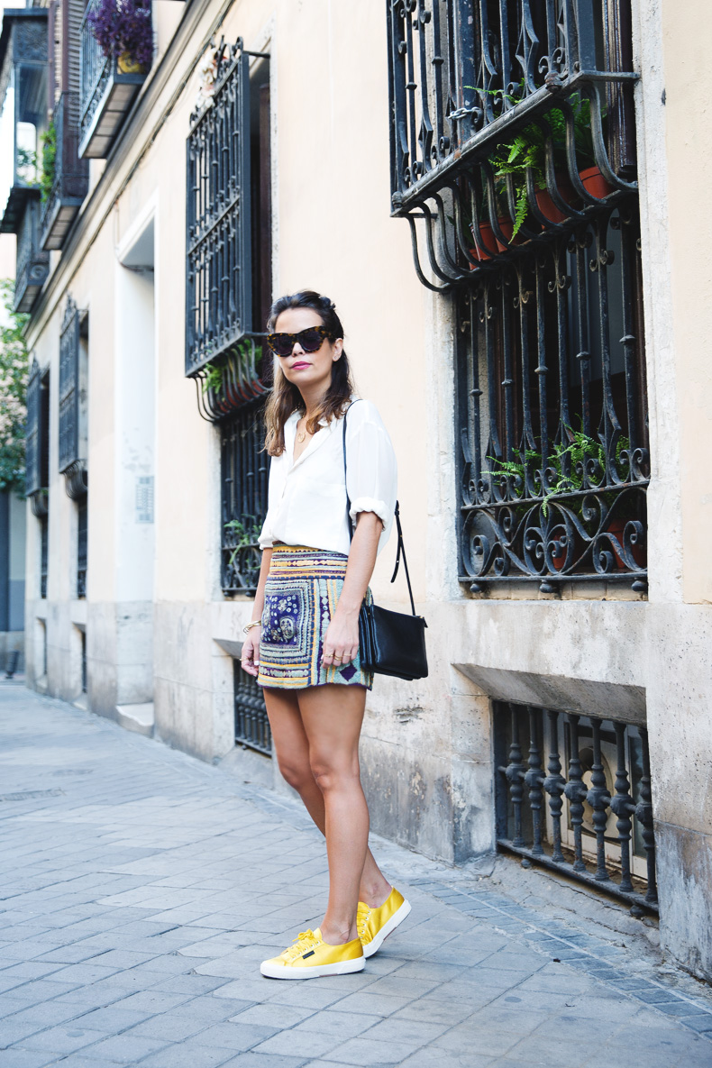 Superga_X_Man_Repeller-Yellow_Sneakers-Beaded_Skirt-Maria_Pascual_jewels-Street_Style-Collagevintage-49