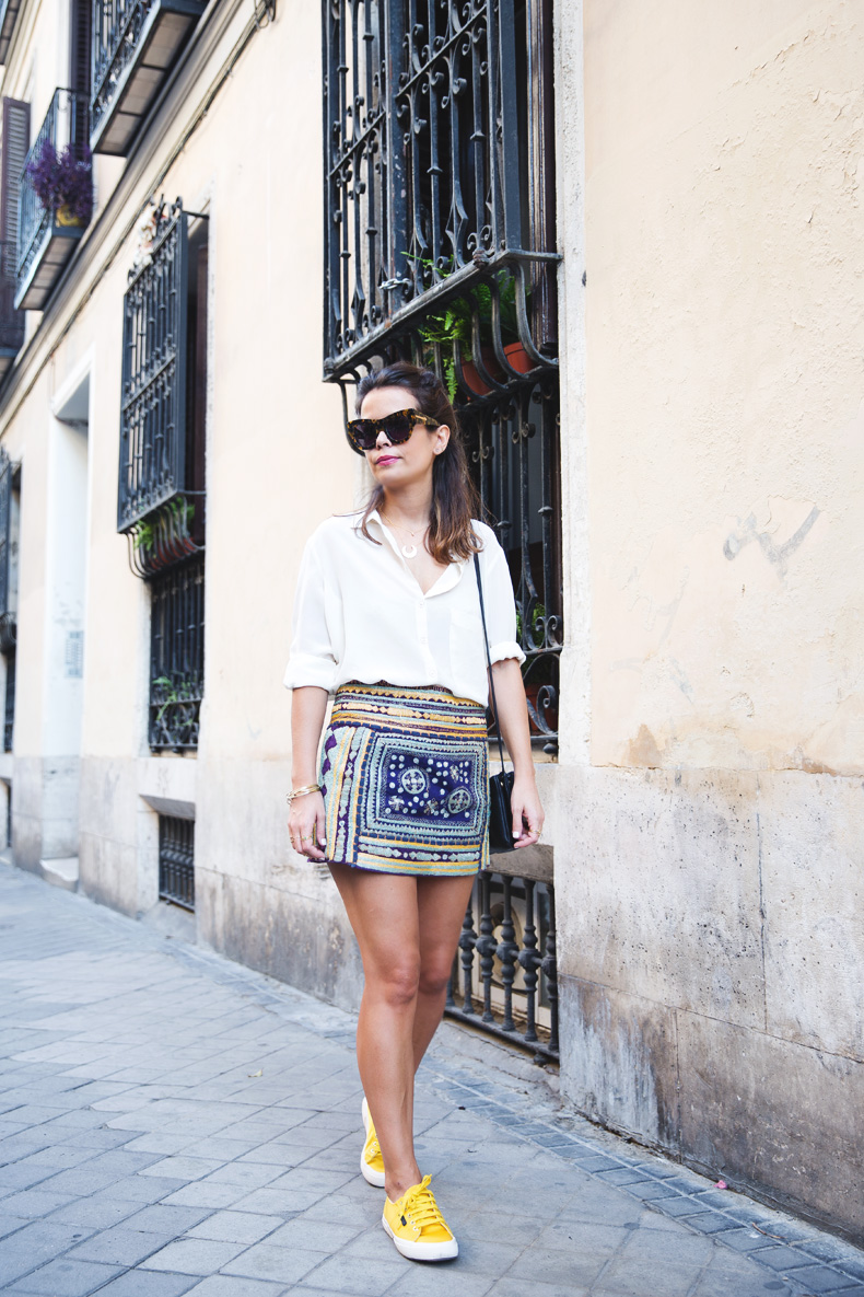Superga_X_Man_Repeller-Yellow_Sneakers-Beaded_Skirt-Maria_Pascual_jewels-Street_Style-Collagevintage-1
