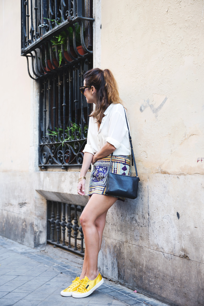 Superga_X_Man_Repeller-Yellow_Sneakers-Beaded_Skirt-Maria_Pascual_jewels-Street_Style-Collagevintage-6