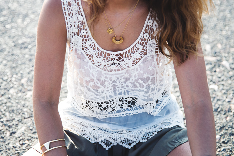 Festival_Outfit-Crochet_Top-Summer-Outfit-Collage_Vintage-31