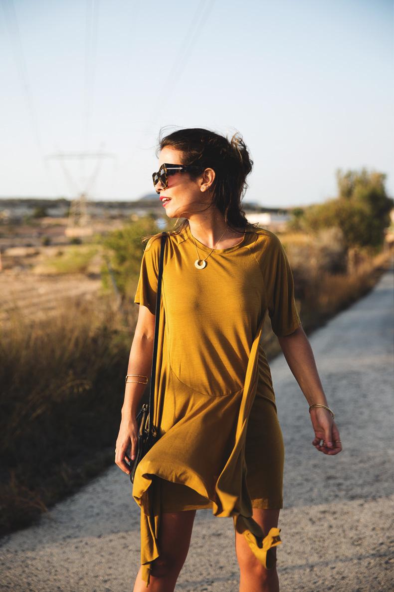 KHAKI_Dress-Trend-Snake_Sandals-29