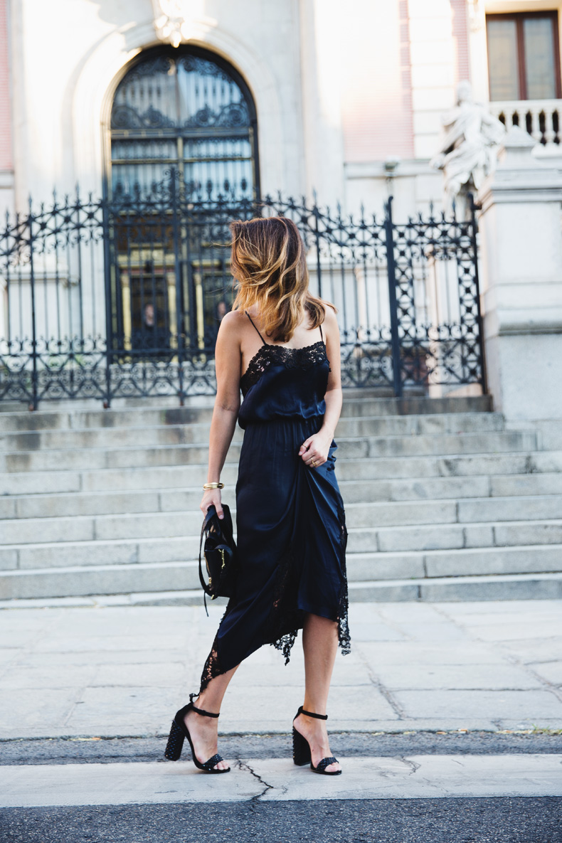 Lingerie_Dress-Studded_Sandals-Street_style-Outfit-14