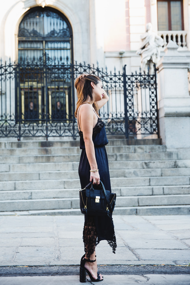 Lingerie_Dress-Studded_Sandals-Street_style-Outfit-13