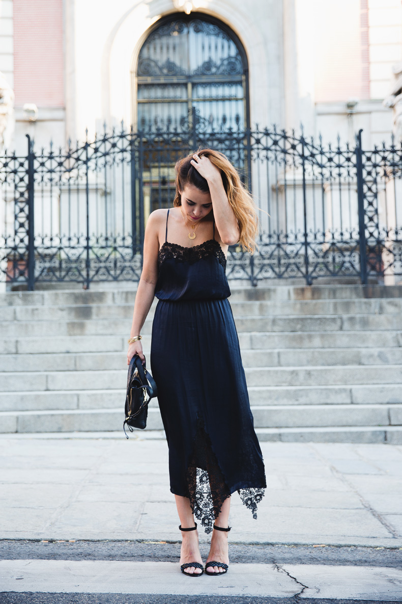Lingerie_Dress-Studded_Sandals-Street_style-Outfit-12