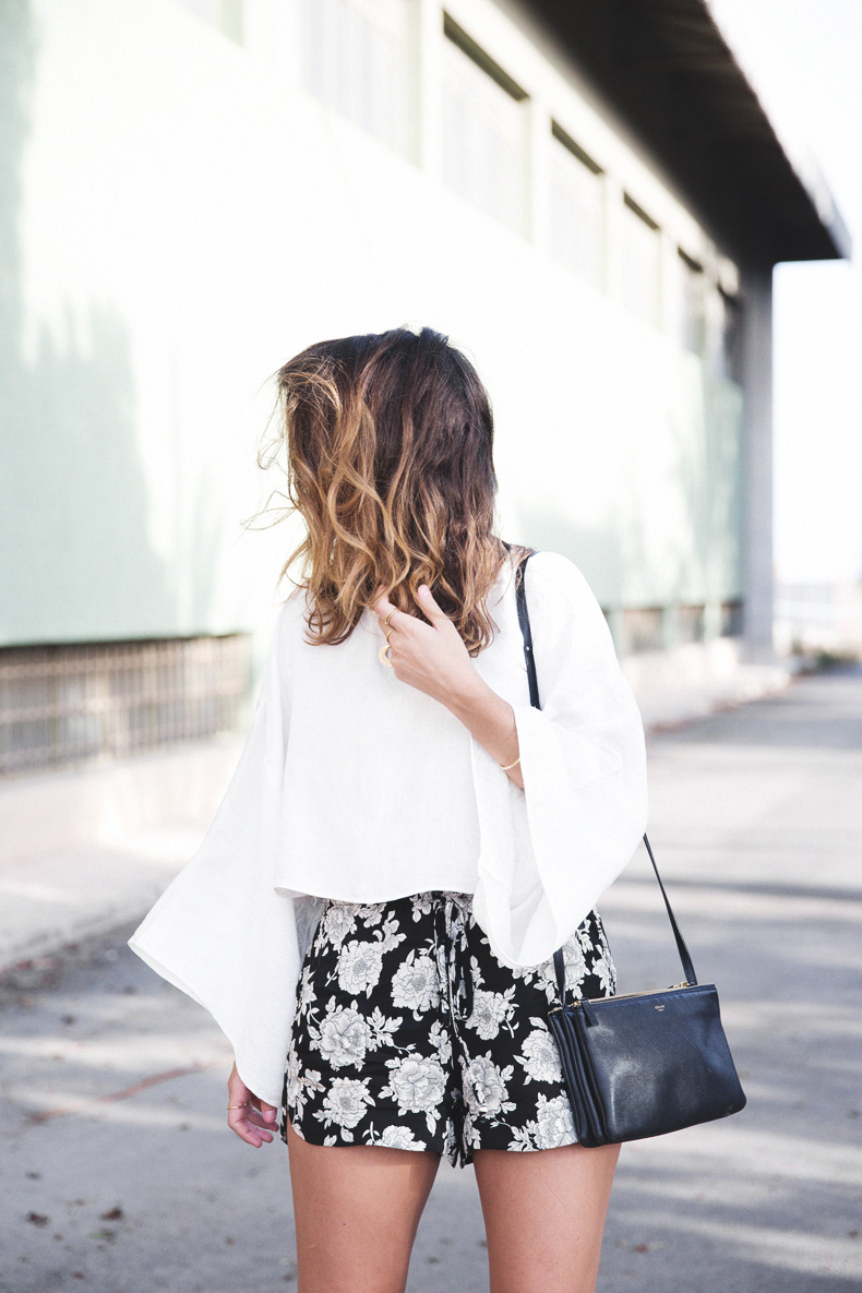 Floral_Shorts-BRandy_Melville-Cropped_Top-Outfit-4
