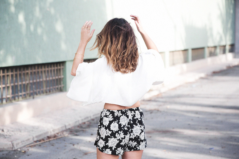 Floral_Shorts-BRandy_Melville-Cropped_Top-Outfit-29