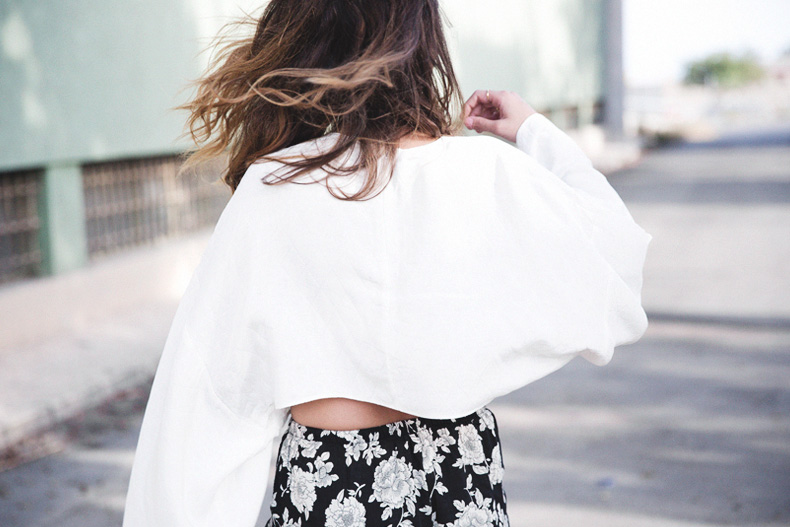 Floral_Shorts-BRandy_Melville-Cropped_Top-Outfit-27