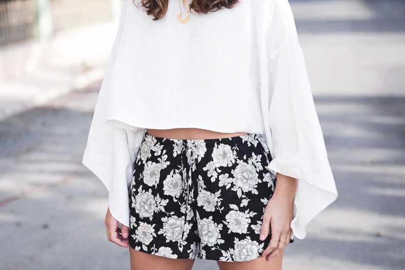 Floral_Shorts-BRandy_Melville-Cropped_Top-Outfit-25