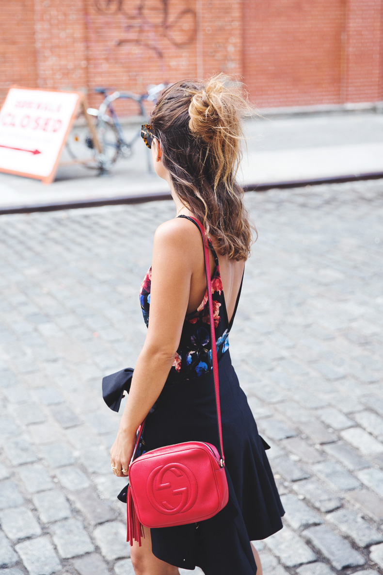 Blazer-Floral_Jumpsuit-Purificacion_Garcia-Gucci_Disco_Bag-Senso_Sandals-Outfit_Street_Style-NYFW-21