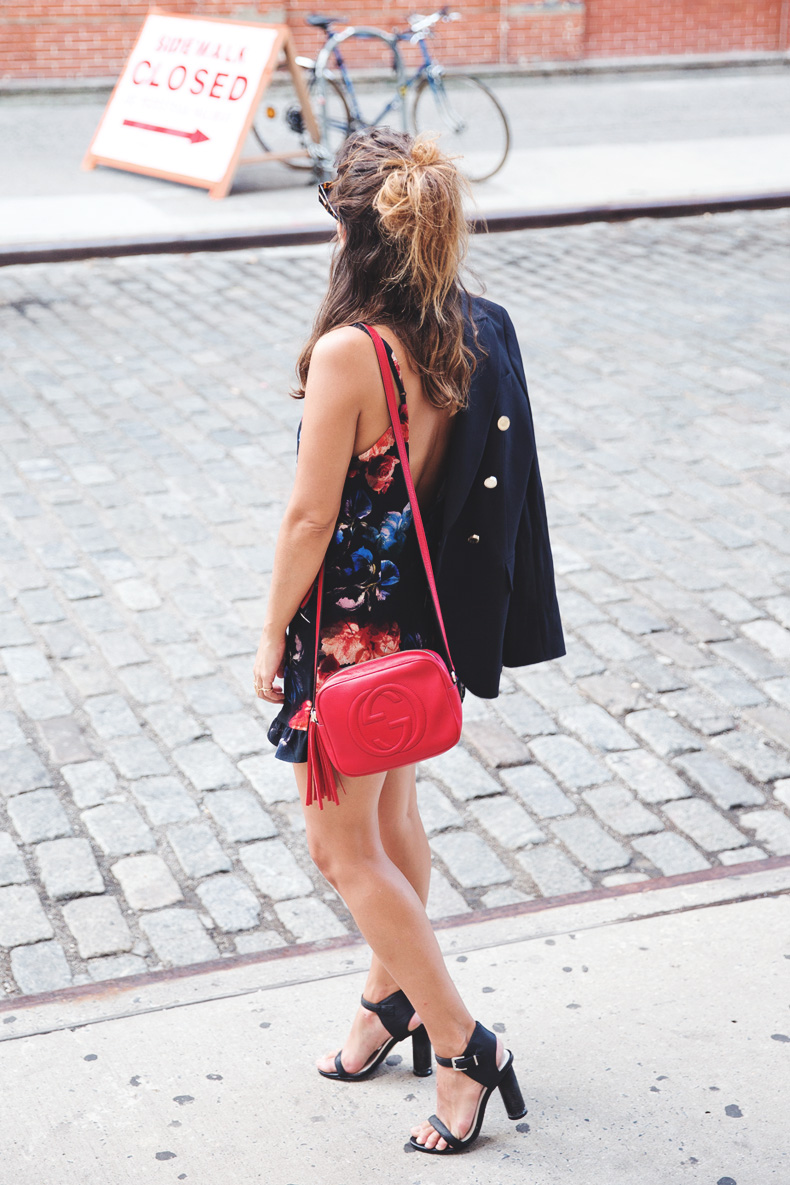 Blazer-Floral_Jumpsuit-Purificacion_Garcia-Gucci_Disco_Bag-Senso_Sandals-Outfit_Street_Style-NYFW-27