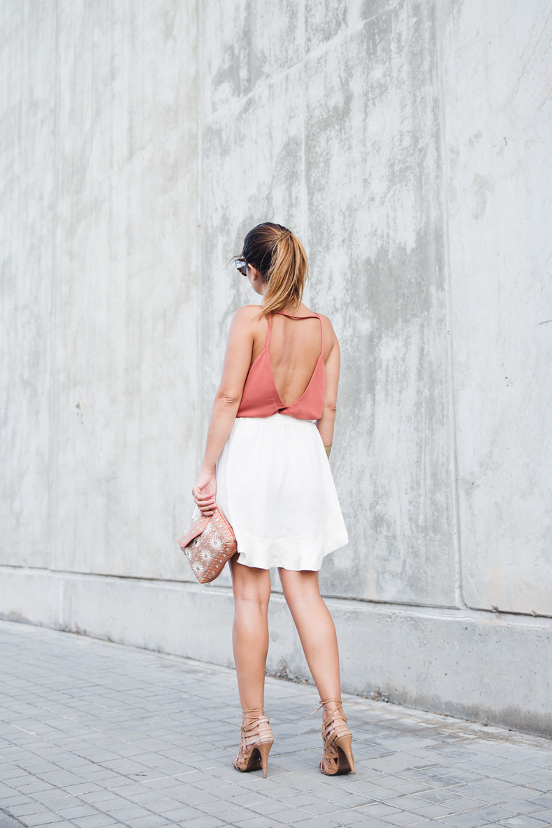 Madrid_Fashion-Week-Juan_Vidal-Priceless-Backless_Top-White_Skirt-Lace_Up_Sandals-Outfit-Street_Style-14