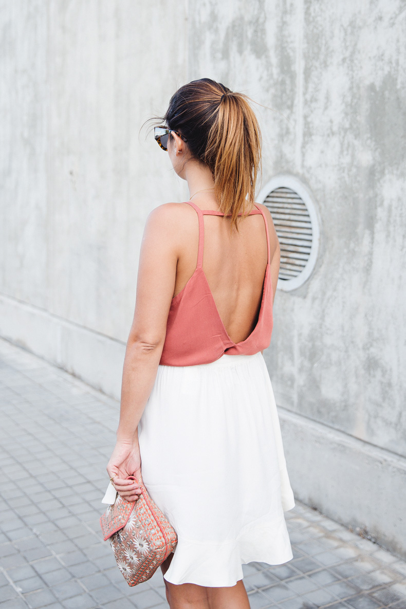 Madrid_Fashion-Week-Juan_Vidal-Priceless-Backless_Top-White_Skirt-Lace_Up_Sandals-Outfit-Street_Style-15