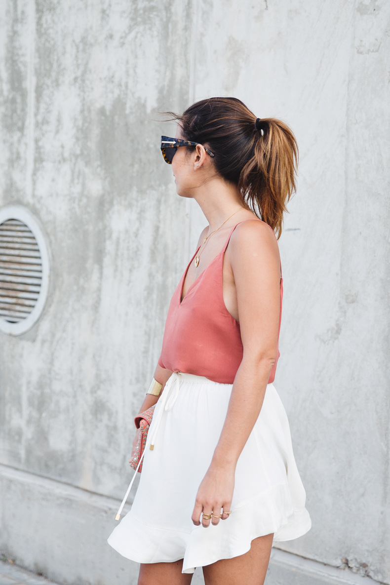 Madrid_Fashion-Week-Juan_Vidal-Priceless-Backless_Top-White_Skirt-Lace_Up_Sandals-Outfit-Street_Style-18