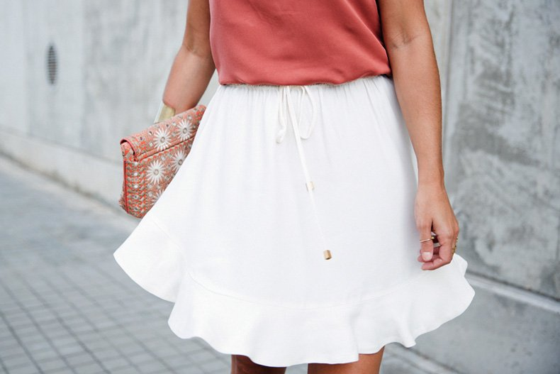 Madrid_Fashion-Week-Juan_Vidal-Priceless-Backless_Top-White_Skirt-Lace_Up_Sandals-Outfit-Street_Style-38