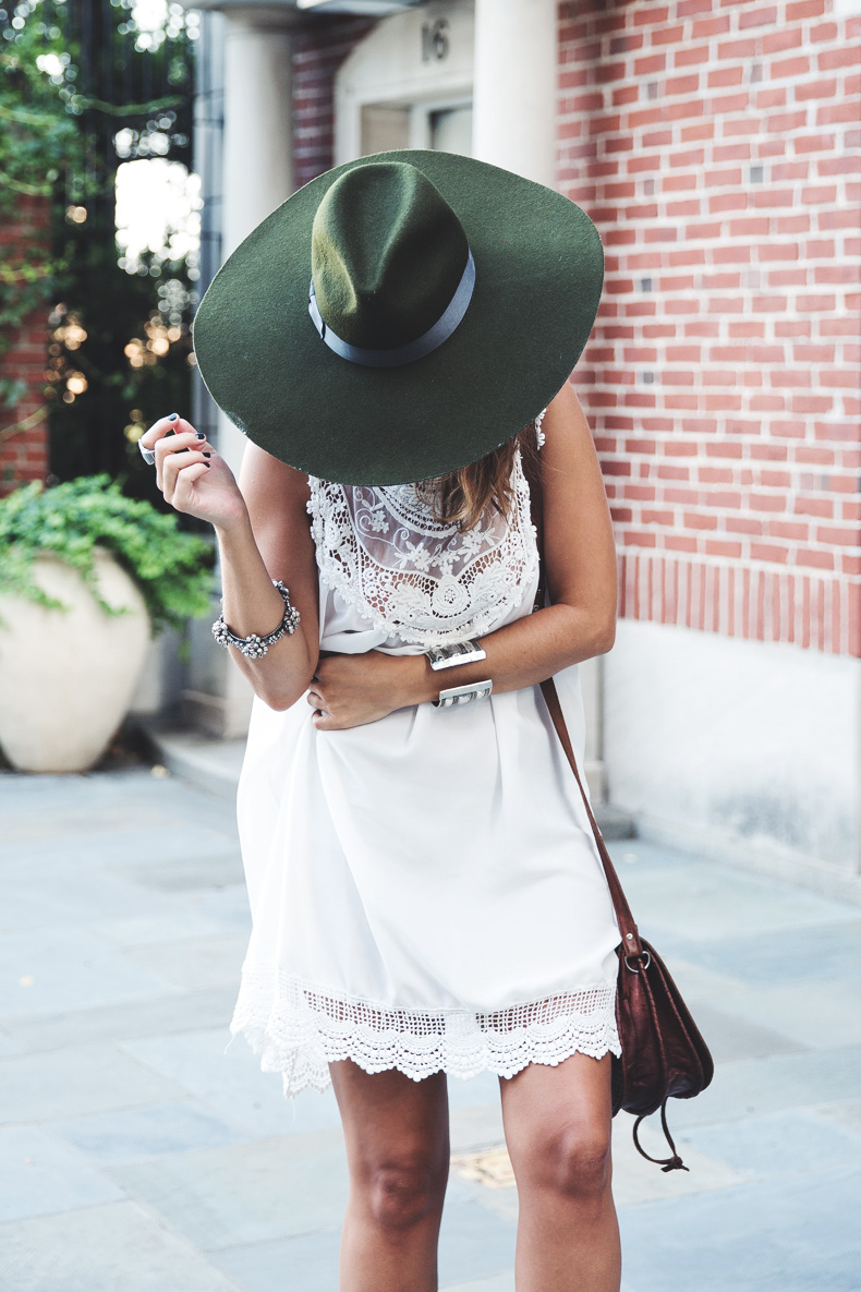 Manhattan-Lack_Of_Color_Hat-Vintage_Dress-NYC-Street_Style-Outfit-35