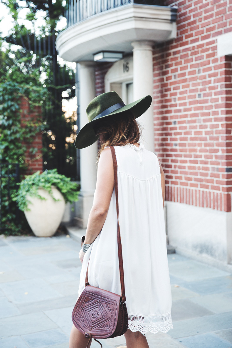 Manhattan-Lack_Of_Color_Hat-Vintage_Dress-NYC-Street_Style-Outfit-40