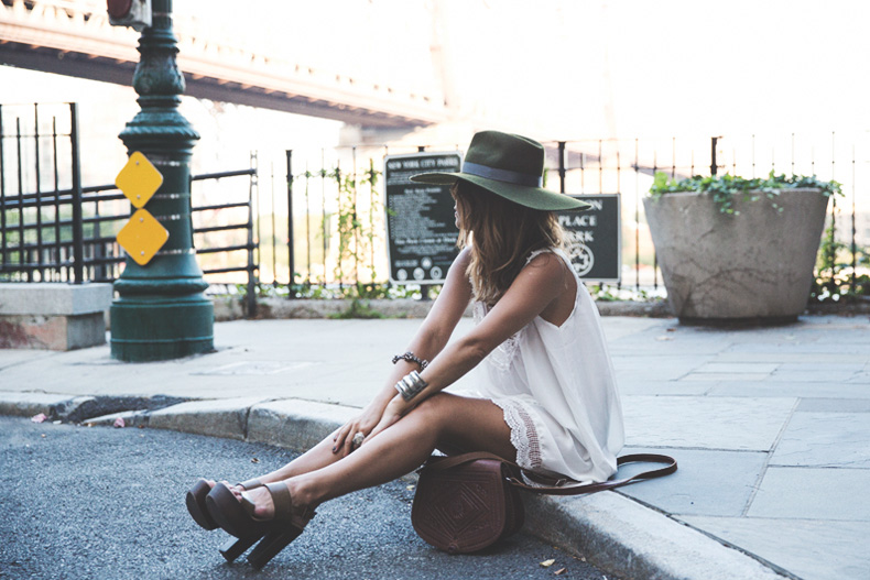 Manhattan-Lack_Of_Color_Hat-Vintage_Dress-NYC-Street_Style-Outfit-9